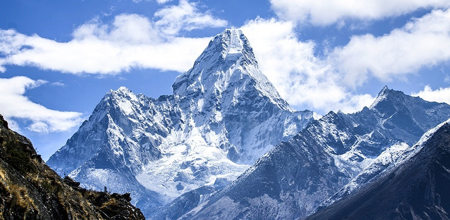 Image of Mount Ama Dablam.